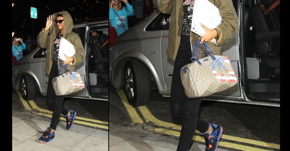 A bolsa favorita da cantora Rihanna é a Gucci