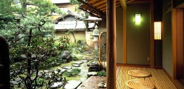 Jardim do ryokan Charoku, hospedaria tradicional do Japão