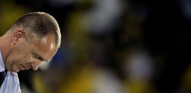 Mano Menezes, técnico da seleção brasileira, se prepara para o amistoso Brasil x China