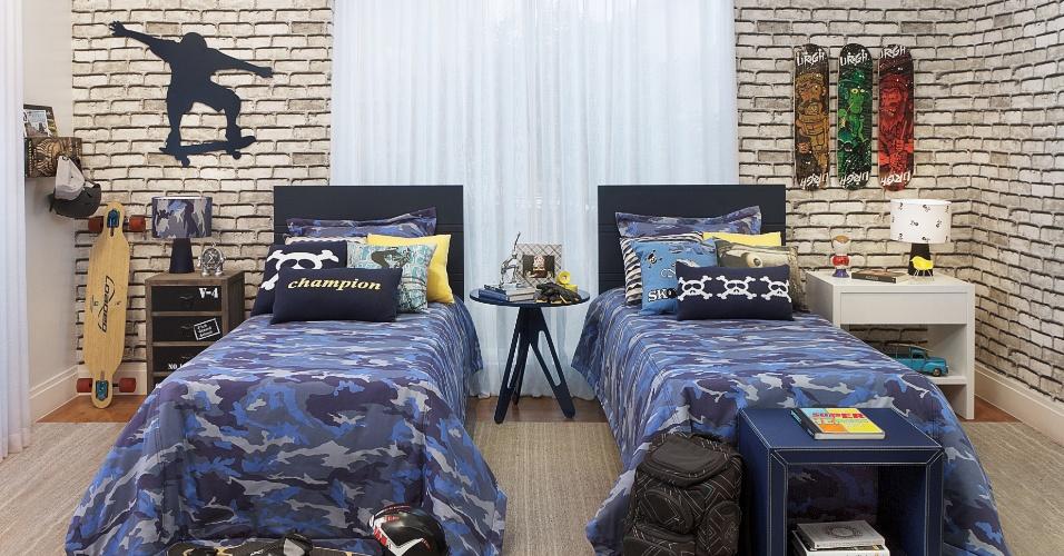 decoracao de interiores quartos de solteiro : decoracao de interiores quartos de solteiro:escolheu um tecido de sarja de algodão para revestir o quarto de