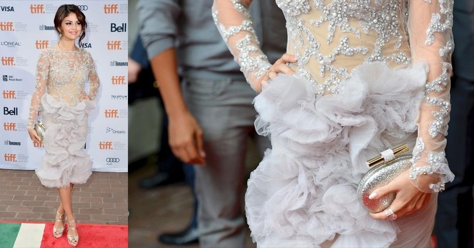 Selena Gomez escolheu a clutch