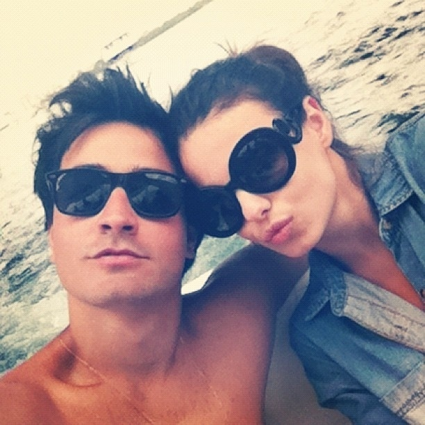 Stephany Brito posta foto como o namorado e faz elogios a ele no Instagram (10/9/12)