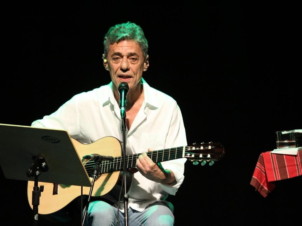 Chico Buarque se apresenta no show