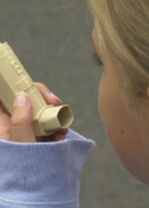 Infecções durante o início da vida do bebê podem provocar asma já aos 18 anos