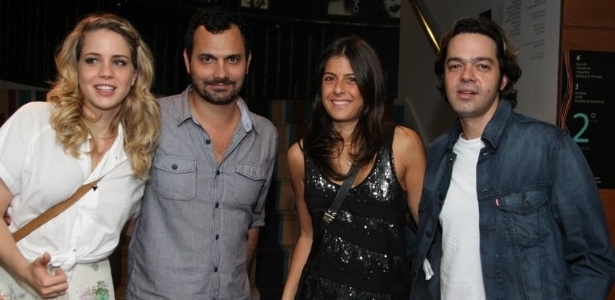 Leandra Leal ao lado de seu namorado, Al Yousseff, junto de Joana Jabace e Bruno Mazzeo (11/9/12)