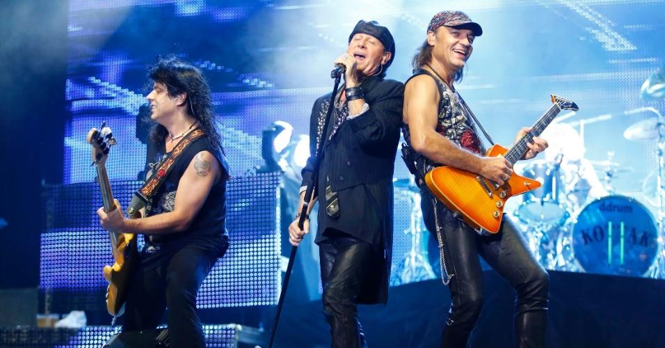 Pawe? M?ciwoda, Klaus Meine e Matthias Jabs do Scorpions se apresentam no show da banda em Belo Horizonte (11/9/12)
