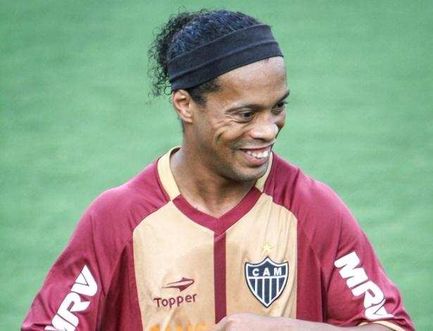Ronaldinho Gaúcho durante treino do Atlético-MG (11/9/2012)