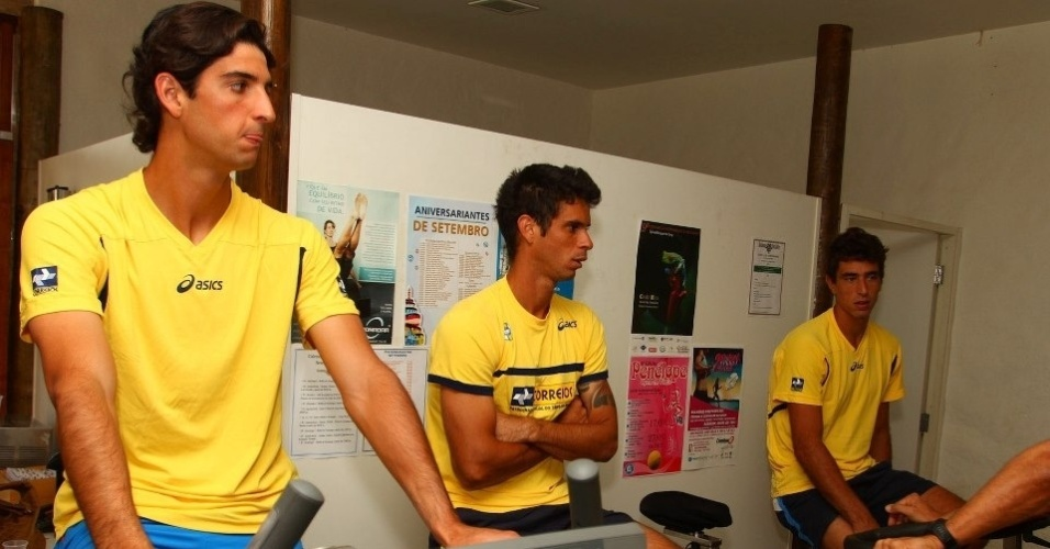 Thomaz Bellucci e Rogrio Dutra Silva fazem treino fsico na academia do Harmonia Tnis Clube de So Jos do Rio Preto, local do confronto contra a Rssia pela repescagem da Copa Davis (11/09/2012)