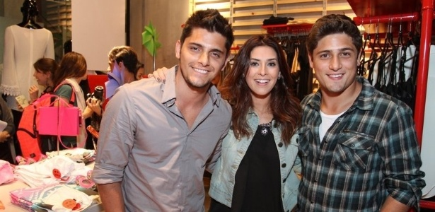 Bruno Gissoni, Fernanda Paes Leme e Daniel Rocha tambm prestigiaram o evento no Rio de Janeiro (12/9/12)