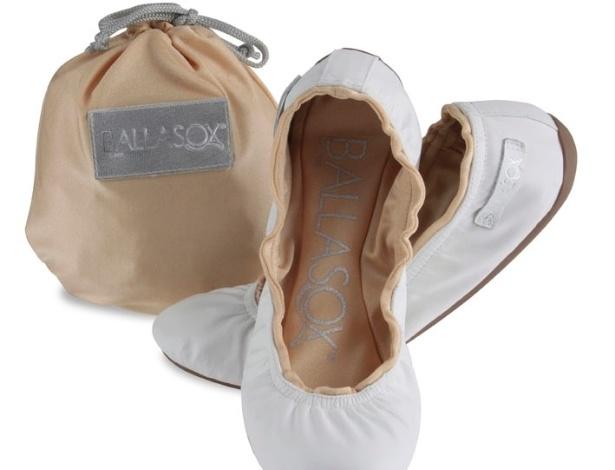 Sapatilha dobrável branca; da Ballasox (www.lojaballasox.com.br), por R$ 119,90 (o par). Disponibilidade e preço sujeitos a alterações. Pesquisa realizada em setembro de 2012