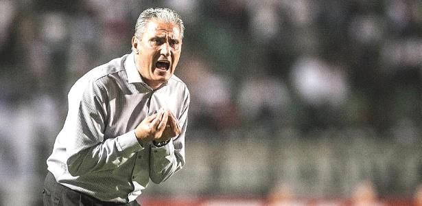 Tite, técnico do Corinthians, acha que com 45 pontos time está livre do risco de descenso