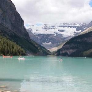 Conhe a banff a cidade canadense que parece ter sa do de for 300 lake terrace