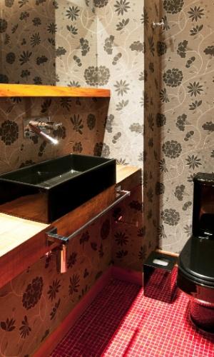 Assim como o hall, o lavabo do apartamento Itapaiuna II fica na