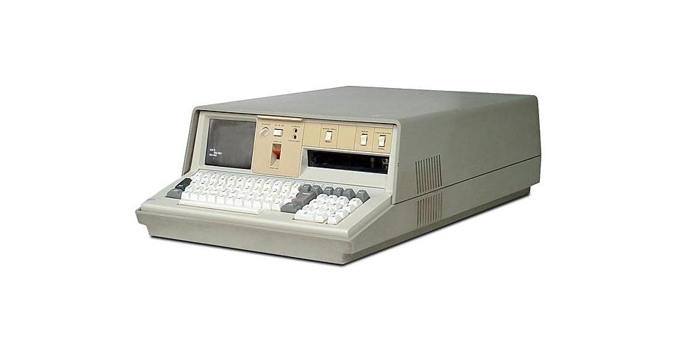Em 1975, a IBM lançou o Portable PC 5100, considerado o primeiro microcomputador produzido no mundo, segundo a empresa. Em uma só peça, estavam monitor, unidade de processamento e teclado. Apesar do ''portátil'' no nome, ele pesava cerca de 24 kg. Seu processador tinha 1.9 MHz e 16 kB de memória RAM. O detalhe era o preço: US$ 19.975, bem caro na época (e também nos tempos atuais)