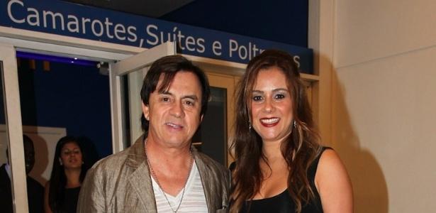 O cantor Chitãozinho e a mulher Márcia vão ao show da Taylor Swift no Rio de Janeiro (13/9/12)