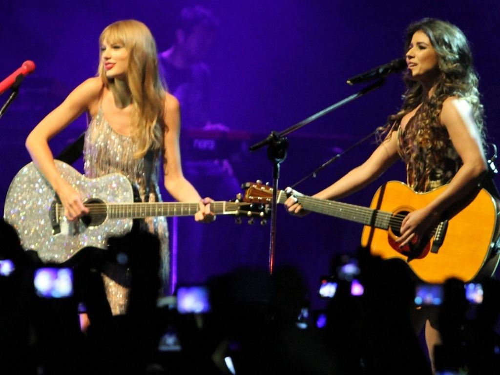 Taylor Swift divulga seu novo álbum ?Red? durante sua passagem pelo Brasil (13/9/12)