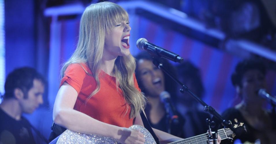 """Taylor Swift gravou uma participação especial para o programa """"TV Xuxa"""" (12/9/12)"""