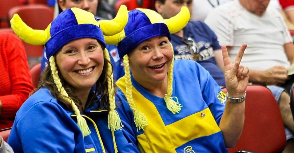 Torcedoras suecas acompanham 34º Mundial de Luta de Braço em São Vicente