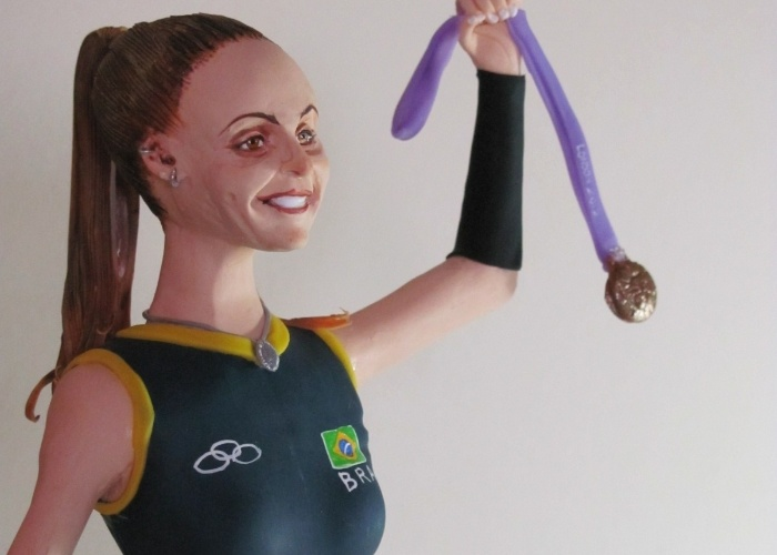 A bicampe&#227; ol&#237;mpica de v&#244;lei Fabi ganhou uma boneca em sua homenagem