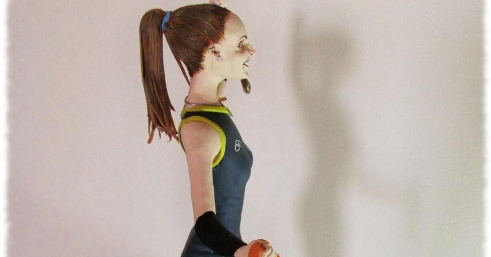 A miniatura da líbero foi criada e modelada pelo artista plástico Léo Vilela, que semanas antes havia apresentado também uma versão de Carminha, personagem de Avenida Brasil