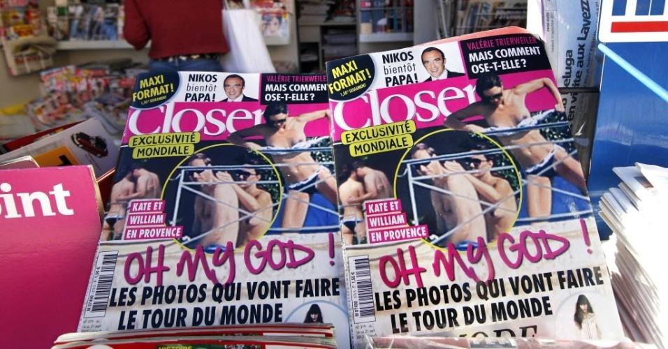 """Banca de jornal francesa comercializa edição da revista """"Closer"""" com imagens do Príncipe William e a mulher, a Duquesa Catherine em momentos de intimidade (14/9/12)"""