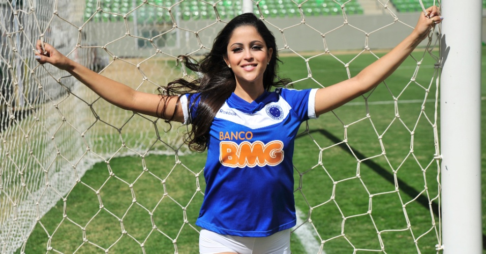 Barbara Martins, a bela do Cruzeiro