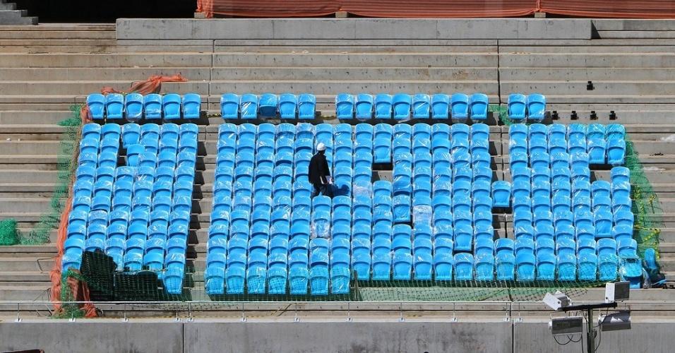 Cadeiras já colocadas nas arquibancadas da Arena do Grêmio
