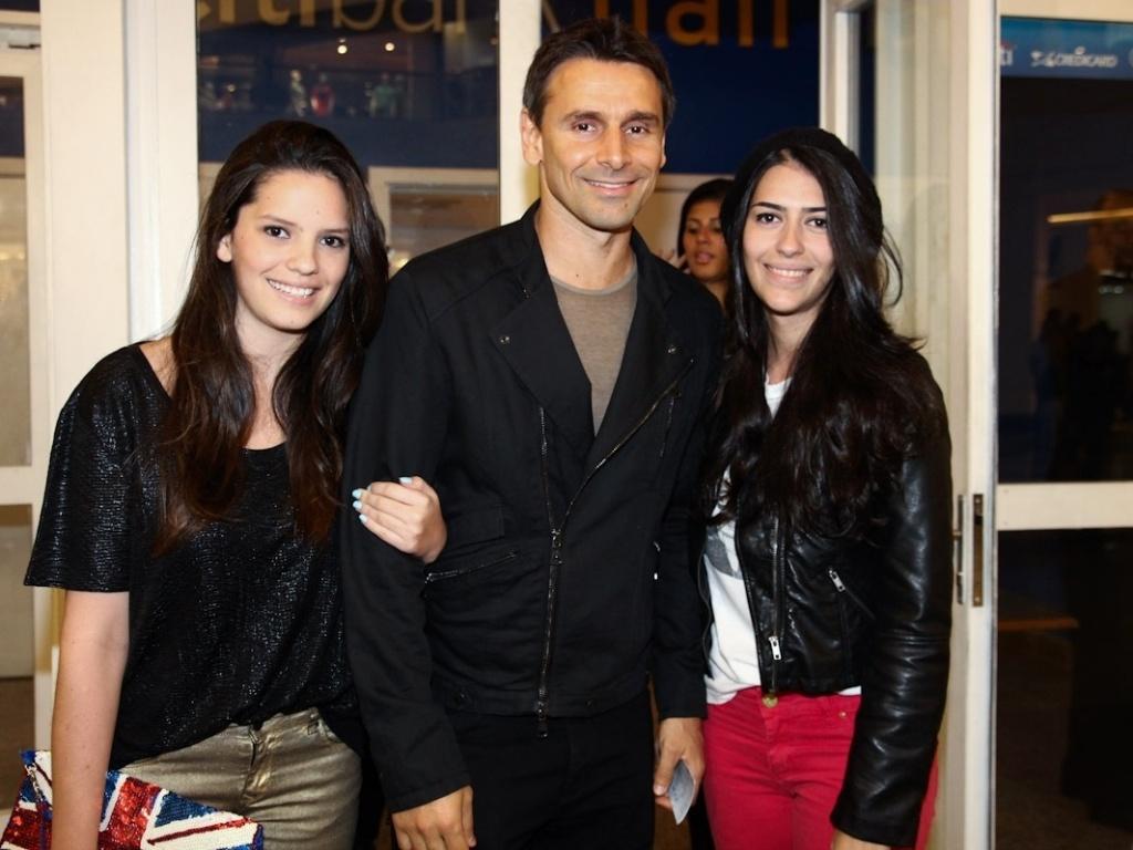 Murilo Rosa levou as sobrinhas Fernanda e Natália ao show de Taylor Swift no Rio de Janeiro (13/9/12)