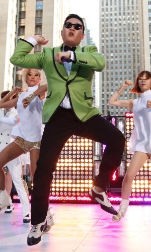 """O cantor sul-coreano Psy dança seu hit """"Gangnam Style"""" no programa """"Today"""" (14/9/12)"""