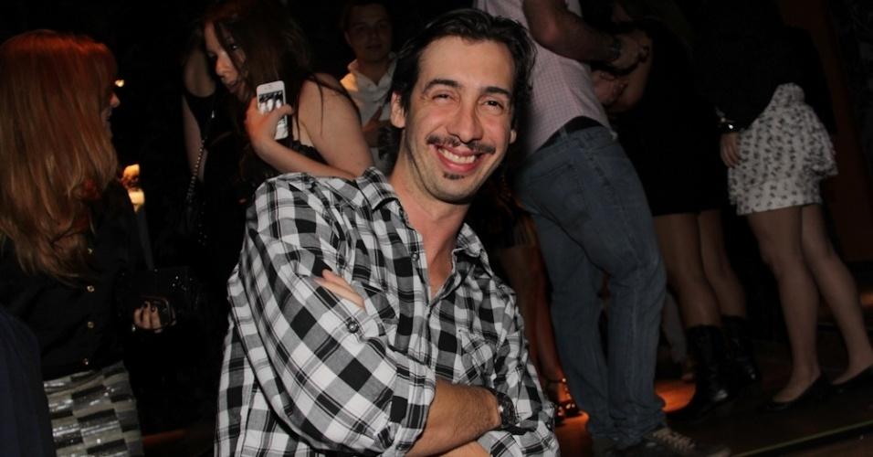 O humorista Fernando Muylaert na inauguração da casa noturna em São Paulo (13/9/12)