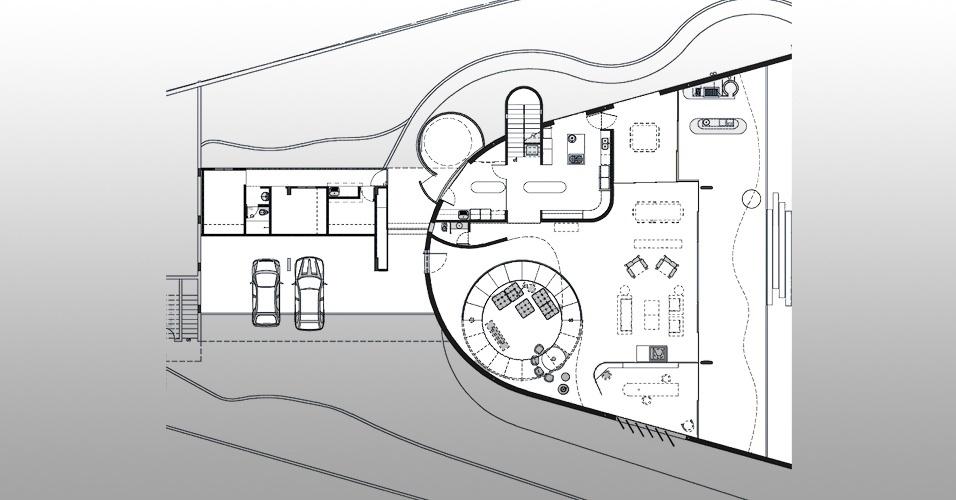 O pavimento térreo da Casa Valinhos, projetada por Ruy Ohtake, concentra os ambientes sociais da residência