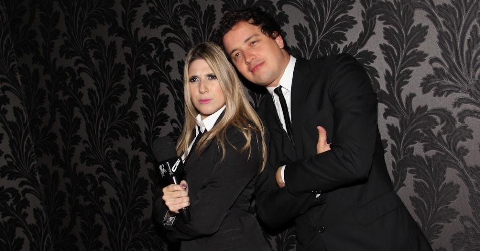Os humoristas Dani Calabresa e Rafael Cortez em gravação do ?CQC? na boate sertaneja (13/9/12)
