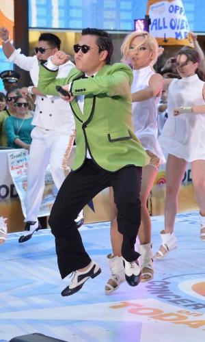 "Psy faz show no programa ""Today"", da NBC, e canta ""Gangnam Style"" (14/9/12)"