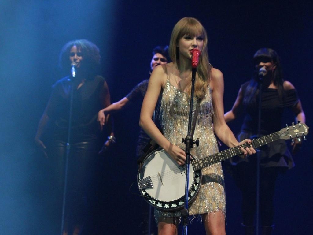 Taylor Swift em show no Citibank Hall no Rio de Janeiro (13/9/12)