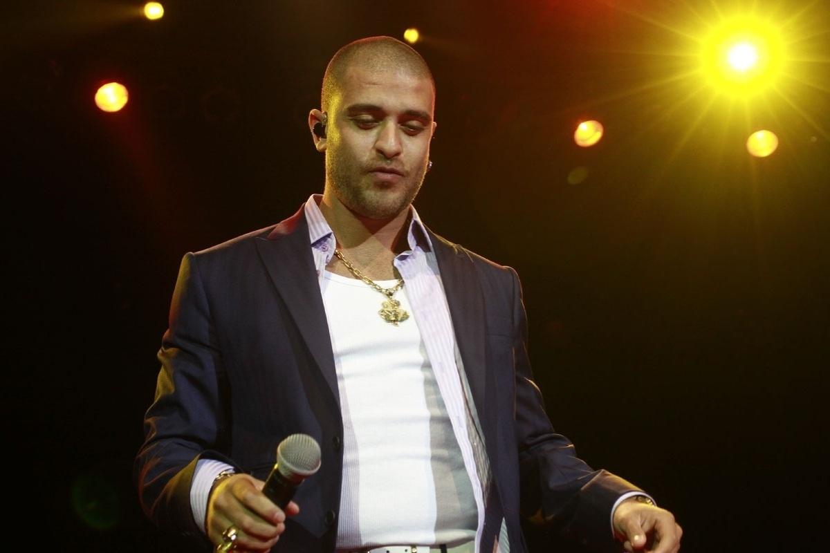 Em ritmo de samba e salsa, Diogo Nogueira faz show em São Paulo (14/9/12)