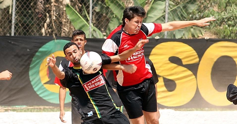 Só na Brisa (de preto) enfrentou o Jaguaré Unido pela Série B da Copa Kaiser de São Paulo