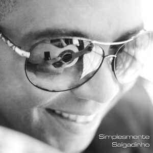 Capa do novo disco do vocalista Salgadinho, chamado &#34;Simplesmente Salgadinho&#34;