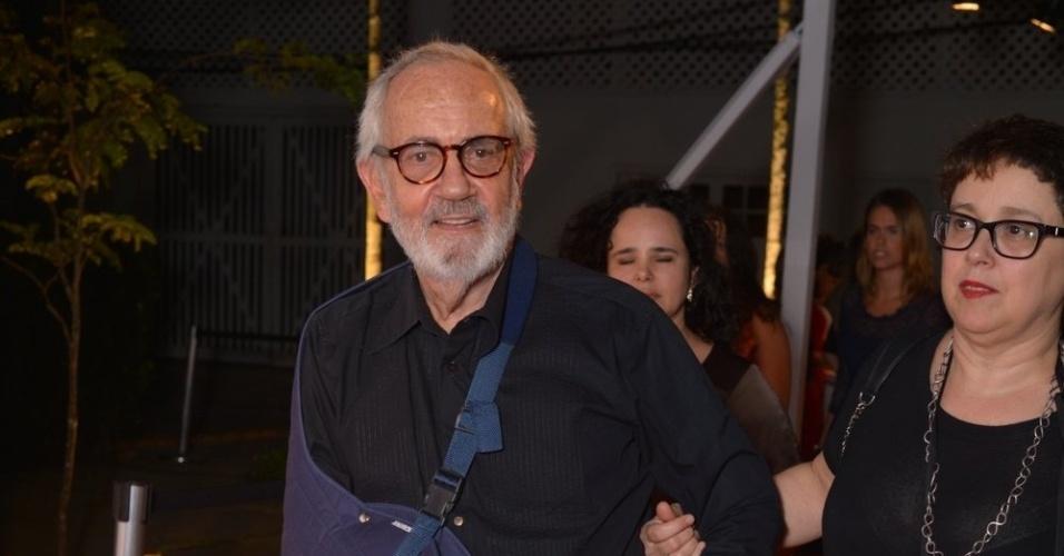 O ator Paulo José chega ao 7º Prêmio Contigo! de Cinema, no Jardim Botânico, no Rio de Janeiro (17/9/12)