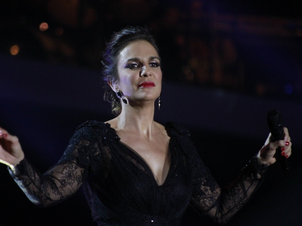 A cantora Ivete Sangalo apresenta a 19 edio do Prmio Multishow, no Rio de Janeiro (18/9/12)