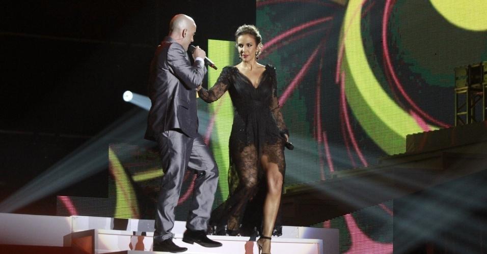 A cantora Ivete Sangalo junto do humorista Paulo Gustavo apresentando a 19ª edição do Prêmio Multishow, no Rio de Janeiro (18/9/12)