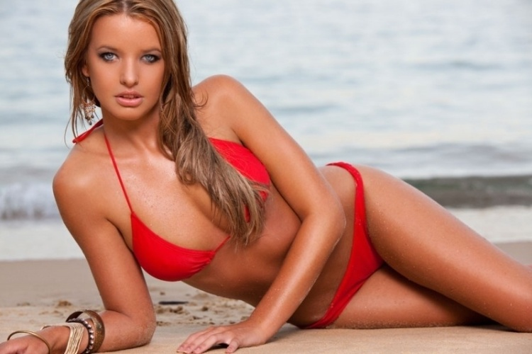 A modelo Kahili Blundell  uma das ring girls australianas, que estreiam na primeira edio do reality show no pas da Oceania