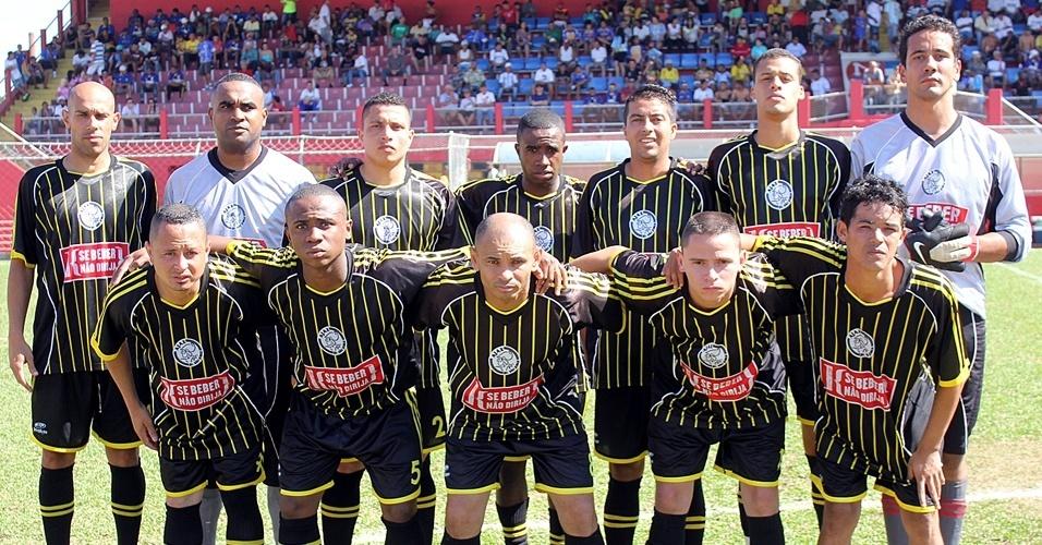 Ajax do Jardim São Jorge: preto e amarelo, mas com o símbolo idêntico ao Ajax de Amsterdã