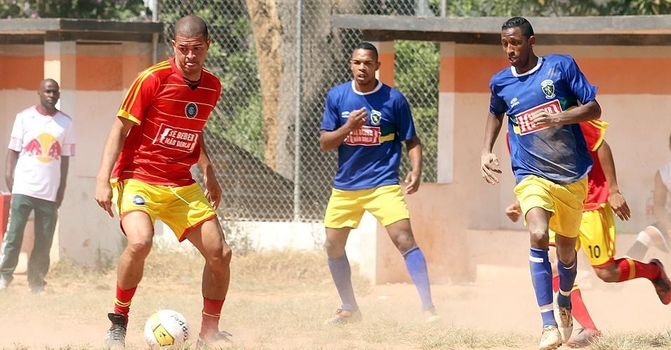 Lance de jogo do Inter do Jaraguá, time da Liga dos Campeões da várzea