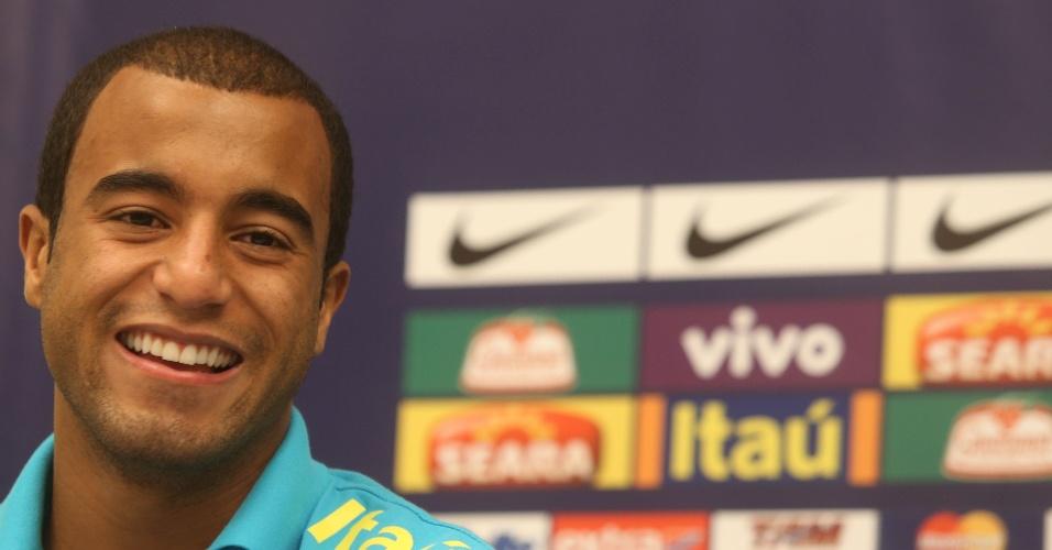 Lucas avaliou postura dos torcedores nas partidas da seleção em solo brasileiro