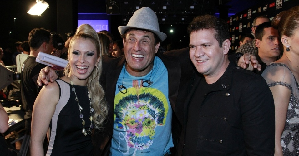 Sérgio Mallandro e a dupla Joelma e Chimbinha, da banda Calypso, no 19º Prêmio Multishow (18/9/12).