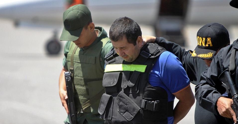 """19.set.2012 - Daniel Barreira, conhecido como """"El Loco Barrera"""", o narcotraficante colombiano """"mais procurado"""" do mundo é preso na Venezuela"""