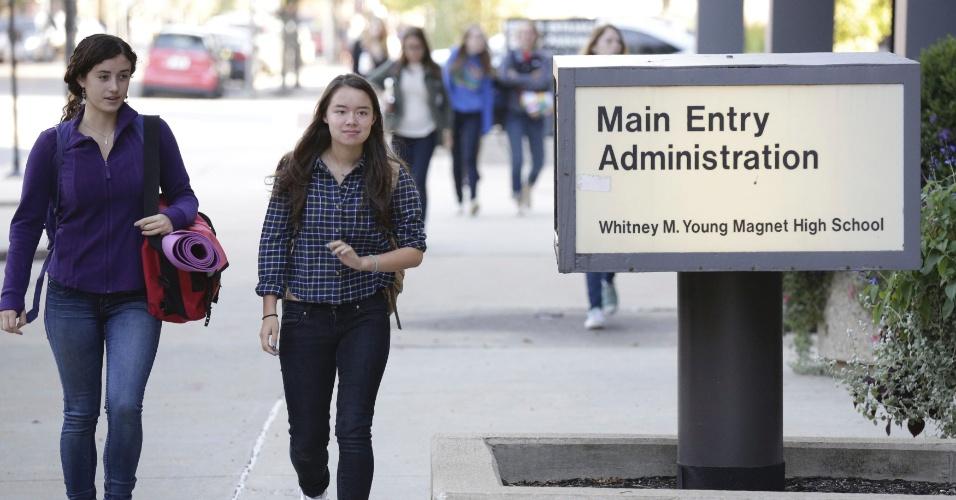 19.set.2012 - Estudantes voltam às aulas em Chicago (EUA) após fim da greve dos professores