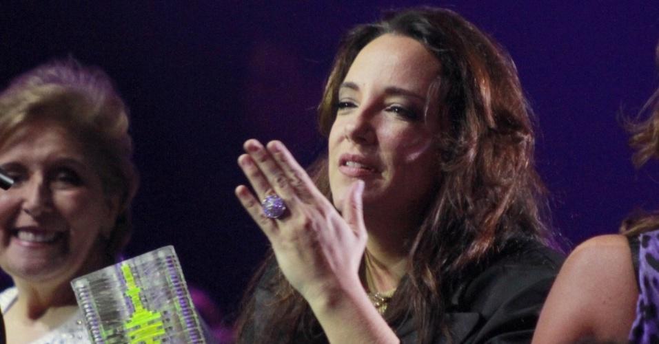 """Ana Carolina recebe o prêmio de Melhor Música por """"Problemas"""" na 19ª edição do Prêmio Multishow, na HSBC Arena, na Barra da Tijuca, Rio de Janeiro (18/9/12)"""