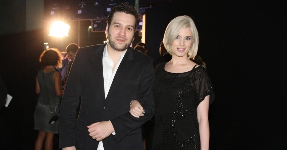 Daniele Valente lado do marido Christiano Cochrane no 19º Prêmio Multishow (18/9/12)