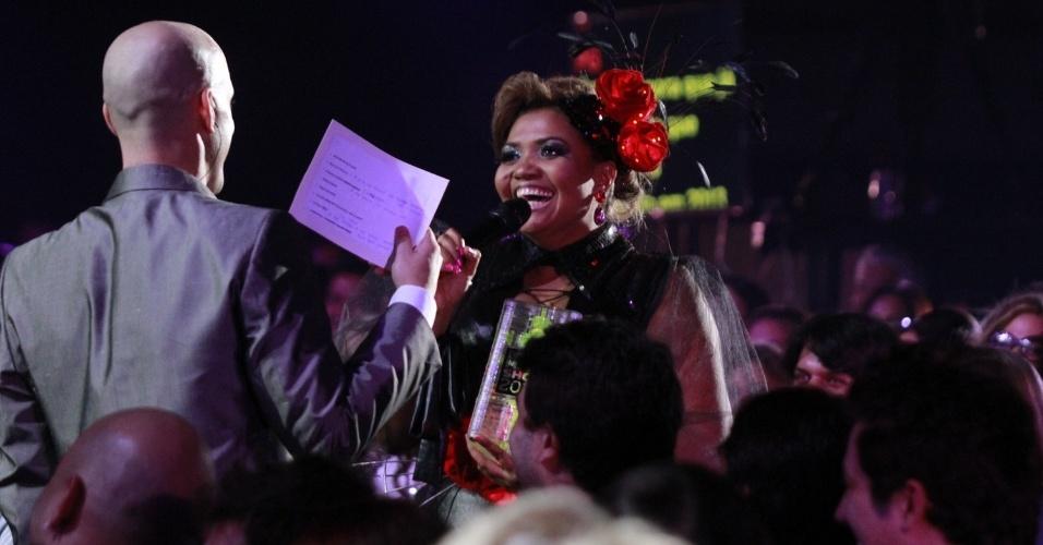 Gaby Amarantos recebe o prêmio de Hit do Ano na 19ª edição do Prêmio Multishow, na Barra da Tijuca, Rio de Janeiro (18/9/12)